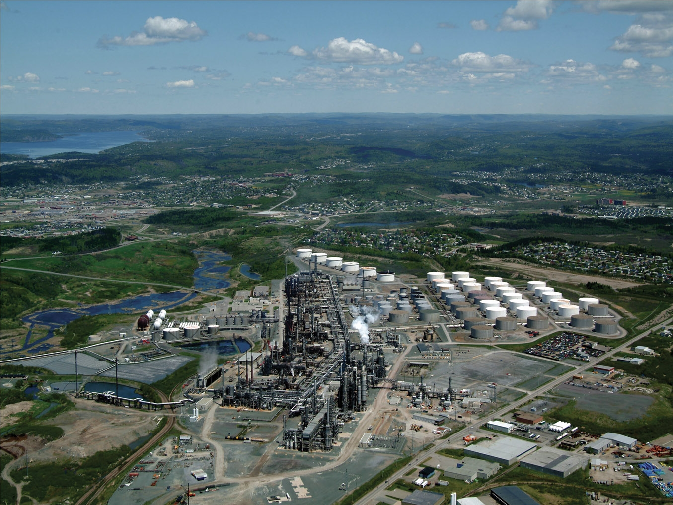 Irving Oil To Buy Ireland S Only Refinery From Phillips 66 Price Undisclosed Boe Report