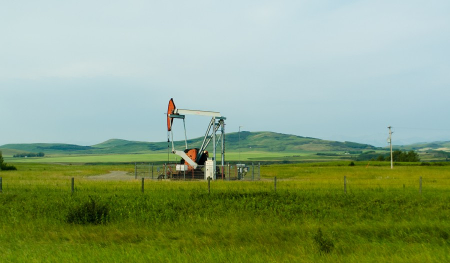 Southern Alberta Oil Well | Courtesy Jeff Hitchcock